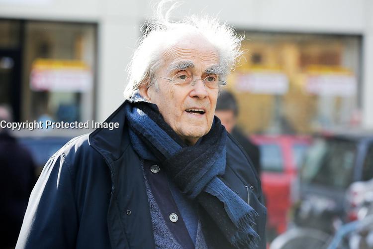 PARIS , EGLISE SAINT PIERRE DU GROS CAILLOU LE 14 / 03 / 2017<br /> OBSEQUES DE PIERRE BOUTEILLER .<br /> MICHEL LEGRAND