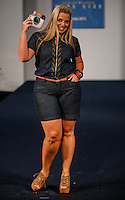 SAO PAULO, SP, 18 AGOSTO 2012 - FASHION WEEK PLUS SIZE - Desfile  Fashion Week Plus Size, moda verao 2013, no Centro de Conveções Frei Caneca na regiao central da capital paulista, na noite desse sabado, 18. (FOTO: VANESSA CARVALHO / BRAZIL PHOTO PRESS).