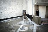 Auch Gefängnisinsassen sind besonders<br />und verstärkt von der Krankheit betroffen. Das<br />Gefängnis von Chisinau verfügt über eine<br />eigene Station zur Behandlung kritischer<br />Fälle. // Moldova is still the poorest country of Europe. Hopes to join the European Union are high. After progress in the past years tuberculosis is on the rise again. The number of new patients raise since 2010 and is on a level that has not been reached since the late 90s.