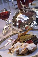 """Europe/France/Provence-Alpes-Côte d'Azur/06/Alpes-Maritimes/Cannes: Quasi de veau au fenouil et légumes grillés à la crème de pistou recette de Bruno Oger chef du restaurant """"La Villa des Lys"""" de l'Hotel Majestic"""
