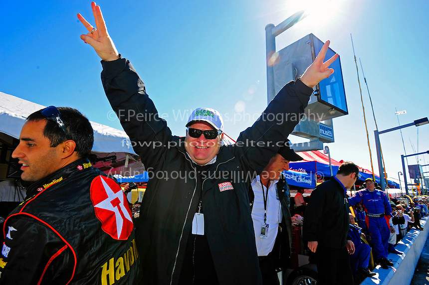 Chip Ganassi celebrates his 3rd straight victory as a owner in the Rolex 24.
