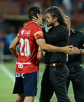 MEDELLIN - COLOMBIA -31-07-2016: Leonel Alvarez (Der.) técnico y Mauricio Molina (Izq.) jugador Deportivo Independiente Medellin celebran el gol anotado a Atletico Huila, durante partido por la fecha 6 entre Deportivo Independiente Medellin y La Equidad, de la Liga Aguila II 2016, en el estadio Atanasio Girardot de la ciudad de Medellin.. / Leonel Alvarez (R) coach and Mauricio Molina (L) player of Deportivo Independiente Medellin celebrate a scored goal to Atletico Huila, during a match for the date 6 between Deportivo Independiente Medellin and Atletico Huila, of the Liga Aguila II 2016 at the Atanasio Girardot stadium in Medellin city. Photos: VizzorImage  / Leon Monsalve / Cont.