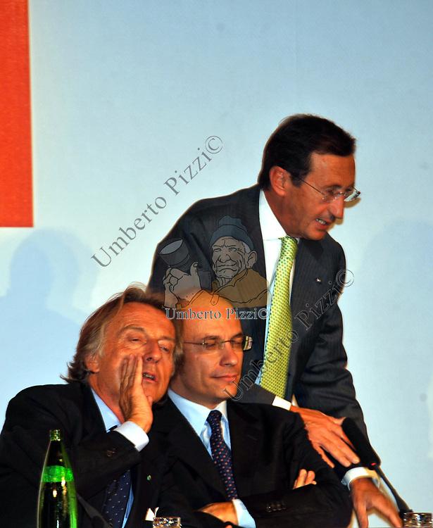 GIANFRANCO FINI CON LUCA CORDERO DI MONTEZEMOLO ED ENRICO LETTA NASCITA ITALIA FUTURA A PALAZZO COLONNA  ROMA 2009