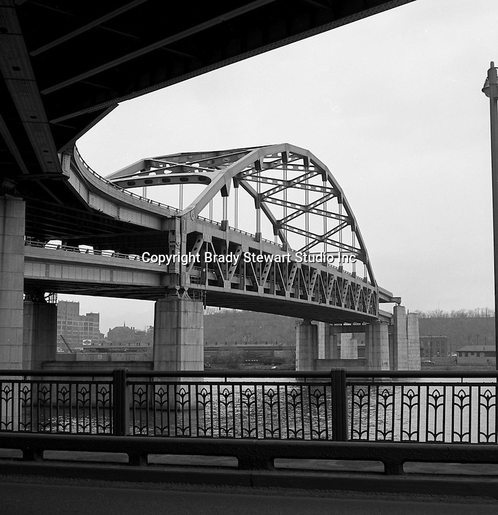 Pittsburgh PA:  View of the Fort Duquesne Bridge under construction... the bridge to nowhere!