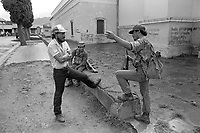 - Nicaragua soldiers in the city of Matagalpa (January1988) <br /> <br /> - Nicaragua, militari nella città di Matagalpa (Gennaio1988)