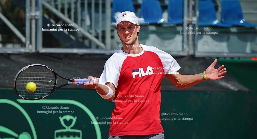 - NAPOLI 2 APR  2014 -  Coppa Davis  Italia-Gran Bretagna <br /> allenamenti. nella foto ANDREAS SEPPI
