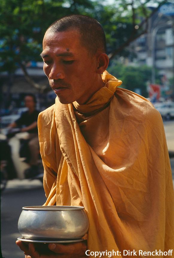 Bettelmönch in Saigon, Vietnam.