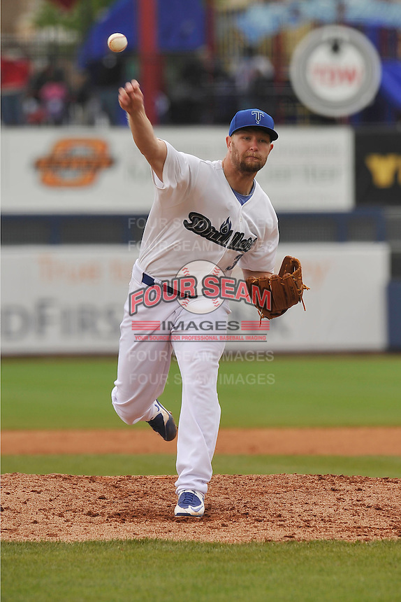 Tulsa Drillers Chris Anderson (32) throws during the game against the Northwest Arkansas Naturals at Oneok Field on May 2, 2016 in Tulsa, Oklahoma.  Northwest Arkansas won 9-6.  (Dennis Hubbard/Four Seam Images)