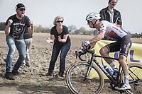 Zdenek Stybar (CZE/Quick Step Floors) cheered over the cobbles.<br /> <br /> <br /> 116th Paris-Roubaix (1.UWT)<br /> 1 Day Race. Compiègne - Roubaix (257km)