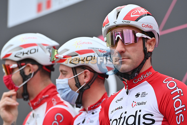 Elia Viviani (ITA) and Cofidis at sign on before the start of Stage 2 of the 2021 Giro d'Italia, running 179km from Stupinigi (Nichelino) to Novara, Italy. 9th May 2021.  <br /> Picture: LaPresse/Massimo Paolone | Cyclefile<br /> <br /> All photos usage must carry mandatory copyright credit (© Cyclefile | LaPresse/Massimo Paolone)