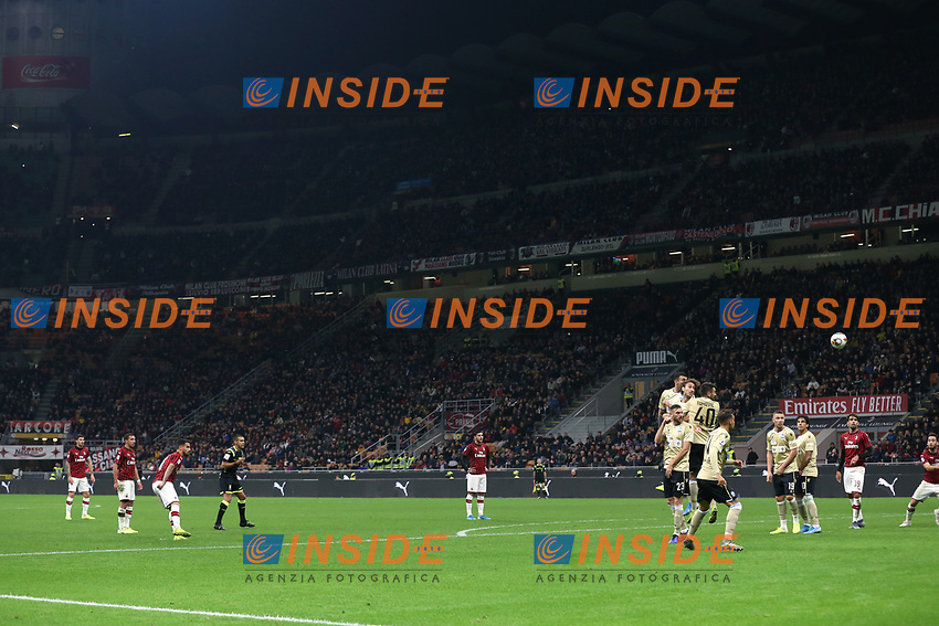 Suso of AC Milan scores a free kick to give the side a 1-0 lead during the Serie A match at Giuseppe Meazza, Milan. Picture date: 31st October 2019. Picture credit should read: Jonathan Moscrop/Sportimage PUBLICATIONxNOTxINxUK SPI-0286-0027<br /> Milano 31-10-2019 Stadio San Siro <br /> Football Serie A 2019/2020 <br /> AC Milan - SPAL<br /> Photo Jonathan Moscrop/Sportimage / Imago  / Insidefoto <br /> ITALY ONLY