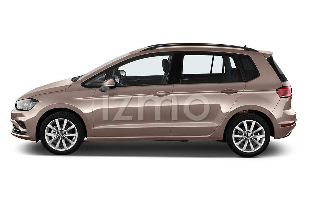 Car driver side profile view of a 2018 Volkswagen Golf Sportsvan Comfort Line  5 Door MPV