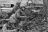 - NATO exercises in Germany, German Army soldiers (September 1986)....- esercitazioni NATO in Germania, soldati dell'esercito tedesco (settembre 1986)