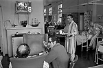 NHS 1970s Uk, Charing Cross Hospital London. Patients allowed to wander around within the ward, eat their meals and watch television 1972.