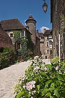 Europe/Europe/France/Midi-Pyrénées/46/Lot/Carennac: Maison du XV ème à tourelle, façe à l'église - Plus Beaux Villages de France