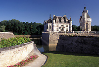 castle, Chenonceau, France, Loire Valley, Loire Castle Region, Indre-et-Loire, Europe, 16th century Chateau de Chenonceau along the Cher River.