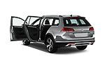 Car images close up view of 2017 Volkswagen Golf Alltrack Base 5 Door Wagon doors
