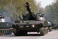 - Italian Army, Horse Artillery regiment, self-propelled guns M 109....- Esercito Italiano, reggimento Artiglieria a Cavallo, cannoni semoventi M 109