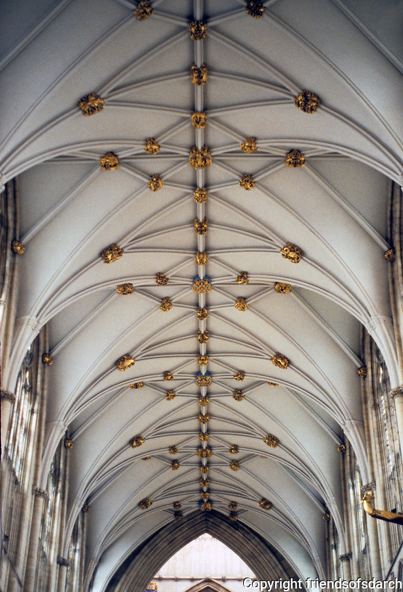 York: York Minster, Nave vaulting. Photo '90.