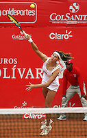 BOGOTA-COLOMBIA-20-02-2013  .Mariana Duque de Colombia en acción contra  la española Estrella Cabeza a quien venció ,  y se enfrentara en la sigueinte ronda  a la serbia Jelena Jankovic en la XXI Copa WTA  Clraro- Colsánitas de tenis . Mariana Duque of Colombia in action against Spanish Estrella Cabeza who won, and will face in the round sigueinte the Serbian Jelena Jankovic in the XXI-Colsanitas Cup WTA tennis Clraro. .(Photo / VizzorImage / Felipe Caicedo / Staff).