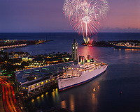 Cruise Ship & Millennium 2000 Firework Celebrations, New Years Eve, Aloha Tower Marketplace, Honolulu, Oahu, Hawaii, USA.