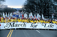 USA, Washington DC, Life - Pro-lifers rally and gather along the National Mall in Washington DC to mark the 31st anniversary and protest the Roe vs. Wade decision on abortion, January 2004 © Stephen Blake Farrington