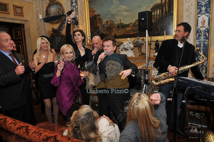 ANTONIA DELL'ATTE, PUPOP E SANDRA CARRARO<br /> FESTA DEGLI 80 ANNI DI MARTA MARZOTTO<br /> CASA CARRARO ROMA 2011