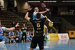 Nemanja Zelenovic (FAG) wirft über den Block von Dominik Weiss (TVB) beim Spiel in der Handball Bundesliga, Frisch Auf Goeppingen - TVB 1898 Stuttgart.<br /> <br /> Foto © PIX-Sportfotos *** Foto ist honorarpflichtig! *** Auf Anfrage in hoeherer Qualitaet/Aufloesung. Belegexemplar erbeten. Veroeffentlichung ausschliesslich fuer journalistisch-publizistische Zwecke. For editorial use only.