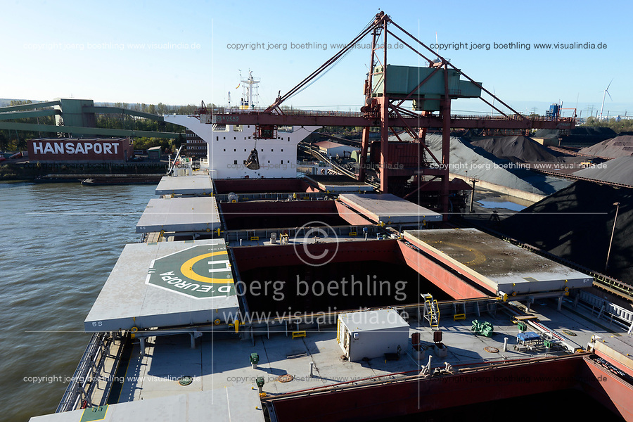 Germany, Hamburg, Hansaport import of coal and ore, unloading of ore from vessel Cielo DÉuropa / DEUTSCHLAND, Hamburg, Hansaport, Import von Kohle und Erz, Entladung von Eisenerz vom Schiff Cielo DÉuropa