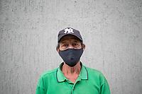 """CAJICA - COLOMBIA, 16-07-2020: """"Me dijeron que el eucalipto es bueno para todo ese virus de ahora, yo me levanto a las 6 de la mañana lo recojo para ir a venderlo, gracias a Dios me ha ido bien pero estoy cansado de tanto caminar"""" Toño Camargo, 70 años, es su testimonio quien como la mayoría de trabajadores informales se ve obligado a salir a buscar el sustento diario para subsistir en medio de la cuarentena total en el territorio colombiano causada por la pandemia  del Coronavirus, COVID-19. / """"They told me that eucalyptus is good for all that virus now, I get up at 6 in the morning, I pick it up to go sell it, thank God it has gone well but I am tired of walking"""" Toño Camargo, 70 years old, is his testimony who like most informal workers, he is forced to go out to find daily sustenance to subsist in the midst of the total quarantine in Colombian territory caused by the Coronavirus pandemic, COVID-19. Photo: VizzorImage / Johan Rugeles / Cont"""