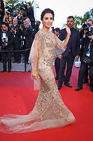 Eva Longoria sur le tapis rouge pour la projection du film MISE A MORT DU CERF SACRE lors du soixante-dixième (70ème) Festival du Film à Cannes, Palais des Festivals et des Congres, Cannes, Sud de la France, lundi 22 mai 2017. Philippe FARJON / VISUAL Press Agency