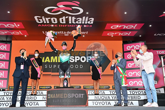 Peter Sagan (SVK) Bora-Hansgrohe wins Stage 10 of the 103rd edition of the Giro d'Italia 2020, running 177km from Lanciano to Tortoreto, Italy. 13th October 2020.  <br /> Picture: LaPresse/Gian Mattia D'Alberto   Cyclefile<br /> <br /> All photos usage must carry mandatory copyright credit (© Cyclefile   LaPresse/Gian Mattia D'Alberto)