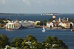 Sweden, Blekinge County, Karlskrona: View over Marinmuseum national naval museum and Kungsholms Fort | Schweden, Blekinge laen, Karlskrona: Kungsholms Fort, historische Festung im schwedischen Marinehafen Karlskrona und das Schifffahrtsmuseum Marinmuseum