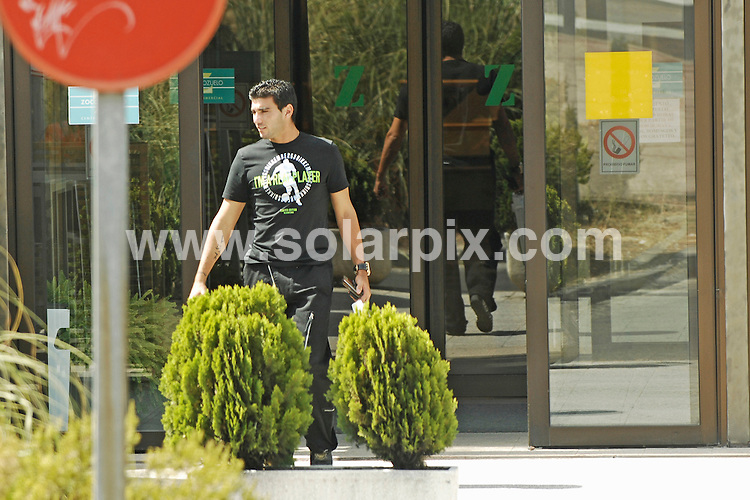 **ALL ROUND EXCLUSIVE PICTURES FROM SOLARPIX.COM**.**WORLDWIDE SYNDICATION RIGHTS EXCLUDING SPAIN - NO PUBLICATION IN SPAIN**.The Ex-Arsenal footballer who now plays for Atletico Madrid as of last year Antonio Reyes and his fiancée  model Ana Lopez who is expecting her first baby soon here they are seen shopping in Madrid with her parents  yesterday..JOB REF: 4596-ROL       DATE:30_08-07 .**MUST CREDIT SOLARPIX.COM OR DOUBLE FEE WILL BE CHARGED* *UNDER NO CIRCUMSTANCES IS THIS IMAGE TO BE REPRODUCED FOR ANY ONLINE EDITION WITHOUT PRIOR PERMISSION*