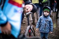 kid looking up to his ucle Laurens Sweeck (BEL) post race. <br /> <br /> Men's Elite race<br /> UCI 2020 Cyclocross World Championships<br /> Dübendorf / Switzerland<br /> <br /> ©kramon