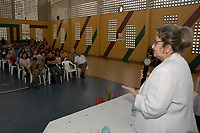 Pesquisadora Drª Elizabeth Santos, é empossada diretora do Instituto Evandro Chagas pelo  representante do Ministério da saúde, Dr. Jarbas Barbosa  secretário da vigilância em saúde-MS. O ato de posse foi realizado na sede do Instituto Evandro  Chagas com a presença de todo corpo  funcional do instituto.<br /> Foto: Lucivaldo Sena/Interfoto<br /> Data: 10/02/2006<br /> Belém – Pará – Brasil