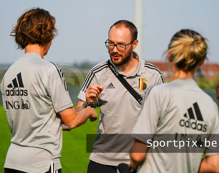 20200911 - TUBIZE , Belgium : Media officer Jonathan Vanootghem picture during a training session of the Belgian Women's National Team, Red Flames , on the 11th of September 2020 in Tubize. PHOTO SEVIL OKTEM| SPORTPIX.BE