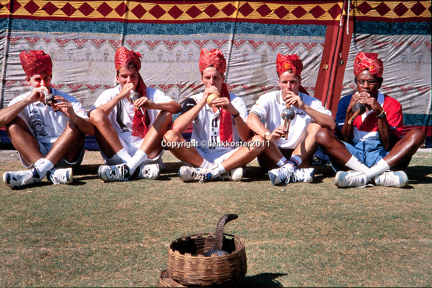 1996, India, Daviscup, India-Netherlands, l.t.r.: Jacco Eltingh, Richard Krajicek, Paul Haarhuis, Jan Siemerink and captain Stanley Franker