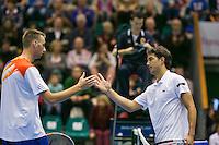 21-12-13,Netherlands, Rotterdam,  Topsportcentrum, Tennis Masters, Thomas Schoorel (NED)(L) shakes the hand of winner Jesse Huta Galung(NED)<br /> Photo: Henk Koster