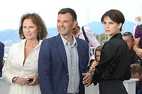 JACQUELINE BISSET, DIRECTOR FRANCOIS OZON AND MARINE VACTH - PHOTOCALL OF THE FILM 'L'AMANT DOUBLE' AT THE 70TH FESTIVAL OF CANNES 2017