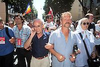 - manifestations against the international G8 summit in Genoa, July 2001, Vittorio Agnoletto and Jose Bove, No Global leaders ....- manifestazioni contro il summit internazionale G8 a Genova nel luglio 2001, Vittorio Agnoletto e Jose Bove, leaders No Global