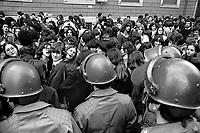 - women's demonstration for the abortion in front of gynecological clinic Mangiagalli (Milan, 1976)....- manifestazione femminista per l'aborto davanti alla clinica ginecologica Mangiagalli (Milano, 1976)