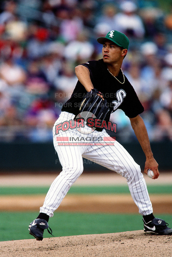 Jim Parque of the Chicago White Sox during a Spring Training game circa 1999 in Phoenix, Arizona. (Larry Goren/Four Seam Images)