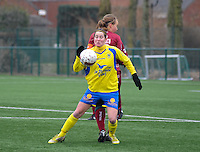 Dames Zulte - Waregem - STVV Sint Truidense VV : Kristien Elsen aan de bal.foto DIRK VUYLSTEKE / Vrouwenteam.be