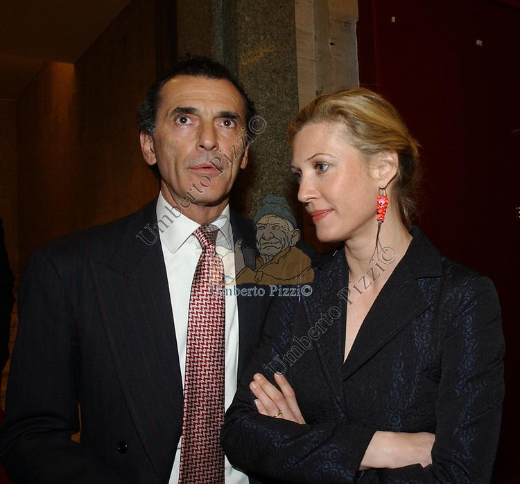 """FERDINANDO BRACHETTI PERETTI CON MAFALDA D'ASSIA<br /> VERNISSAGE """"ROMA 2006 10 ARTISTI DELLA GALLERIA FOTOGRAFIA ITALIANA"""" AUDITORIUM DELLA CONCILIAZIONE ROMA 2006"""