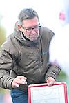 MANNHEIM, DEUTSCHLAND, NOVEMBER 09: 10. Spieltag in der Feldhockey Saison 2013/2014. Begegnung zwischen dem Mannheimer HC (blau) und dem Nürnberger HTC (weiss)  in der 1. Bundesliga Herren am 09. November, 2013 in Mannheim, Deutschland. Endstand 7-1 (4-0). (Photo by Dirk Markgraf/www.265-images.com)<br /> *** Local caption *** Trainer Norbert Wolff vom Nürnberger HTC