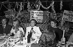 FRANCO CALIFANO E RENATO POZZETTO<br /> FESTA DI COMPLEANNO DI FRANCO CALIFANO A TRASTEVERE ROMA  1970