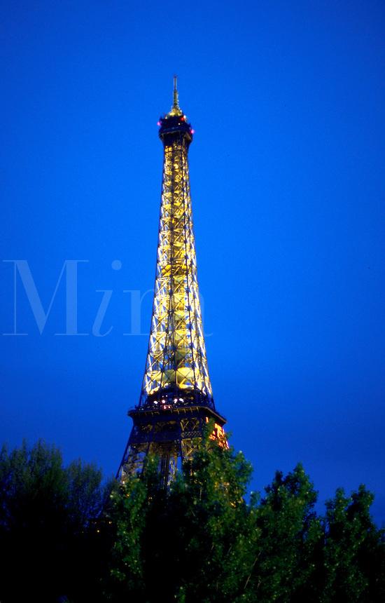 Eiffel tower at dusk.
