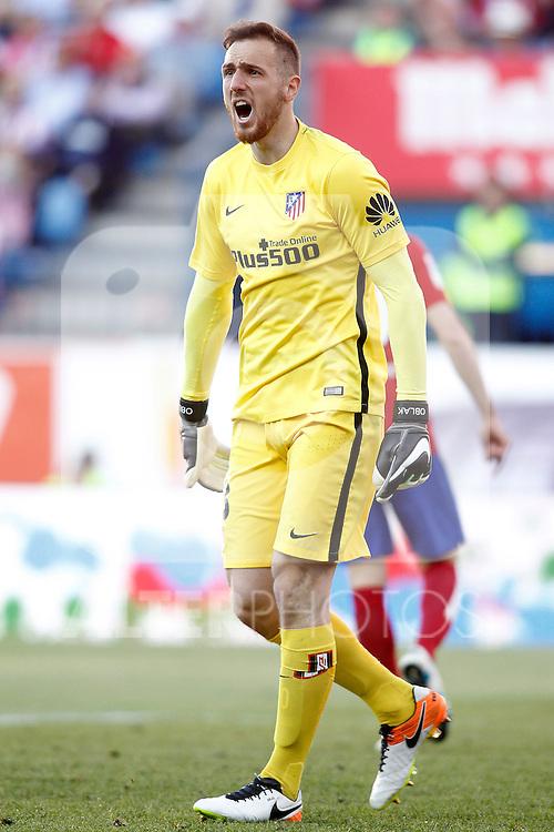 Atletico de Madrid's Jan Oblak during La Liga match. April 30,2016. (ALTERPHOTOS/Acero)