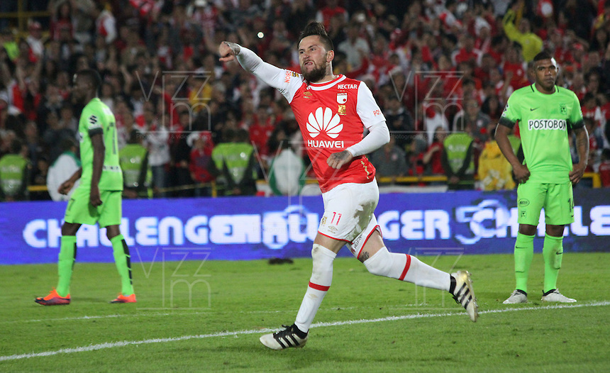 BOGOTA -COLOMBIA, 7-12-2016. Jonathan Gomezjugador de Independiente Santa Fe   celebra su gol contra el  Atlético Nacional  durante encuentro  por la semifinal ida de la Liga Aguila II 2016 disputado en el estadio Nemesio Camacho El campin./Jonathan Gomez  player of Santa Fe   celebrates his goal agaisnt  of Atletico Nacional  during match for the firts leg semifinal match  of the Aguila League II 2016 played at Nemesio Camacho El Campin stadium . Photo:VizzorImage / Felipe Caicedo  / Staff